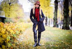 Jessica (PhotographerJockeFransson) Tags: latex boots overkneeboots overknee autumn 85mm tamron 6d portrait
