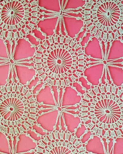 Gorgeous vintage crochet...  #crochet #crochetbedspread #crochettablecloth