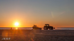 IMG_9337.jpg (Aguje Photo-Reporter) Tags: 3g plage aguje tracteur canet ggg soleil street sunset sable mer