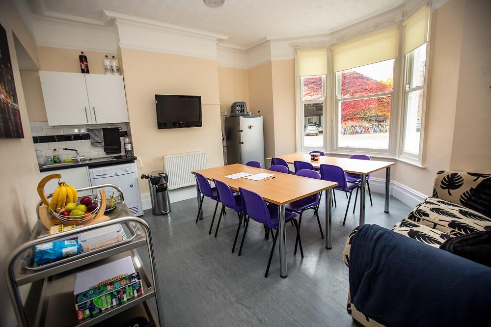 Cambridge Juniors residence kitchen/dining room