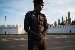 * (Sakulchai Sikitikul) Tags: street snap streetphotography summicron sony police thailand a7s 35mm leica  bangkok