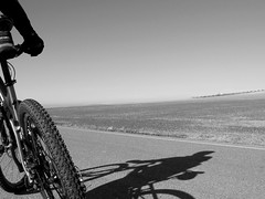 I keep dreaming of riding my bike again soon (Micheo) Tags: shadow bike bicycle temple dream bicicleta sombra bici sueño