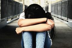 Oriana (Lali's Univers) Tags: girl sadness pain model alone sad triste misery seule oriana souffrance modle profondeur misre