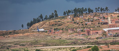 Landing at the Juana Azurdy Airport (Max Glaser) Tags: airport airplanes bolivia landing aeropuerto sucre aviones
