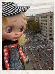Tristan Buttons Cheering On The 2015 NYC Marathon Runners! Wow, it sure doesn't look easy! Go, Go, Go! :D
