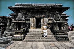 Chennakesava Temple (Prabhu B Doss) Tags: travel india temple photography nikon wideangle unesco worldheritagesite karnataka incredible belur southindia sigma1020mm hoysala d80 templearchitecture haasan chennakesavatemple prabhubdoss