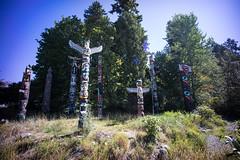 Totem Poles, Stanley Park, Vancouver. (Matt Benton) Tags: vancouver digital voigtlandersuperwideheliar15mmf45 sonyalpha7
