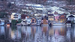 Dreamy Winter (GrisParr) Tags: hallstatt austria europe travel reflection water lake house building winter mountain snowy