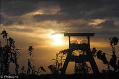 Abendhimmel (Phasianii) Tags: olympus omd em10 phasianii urbanus rusticus ruhrgebiet hertenw zeche ewald industrie bergwerk mine industrielleumgebung