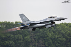 Lockheed Martin F-16AM Fighting Falcon J-201 - Royal Netherlands Air Force - Luchtmachtdagen 2016 (BenSMontgomery) Tags: lockheed martin f16am fighting falcon royal netherlands air force luchtmachtdagen 2016 leeuwarden j201