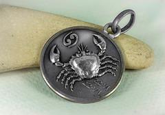 zodiaque (Zazarel) Tags: macro bijoux pierre mdaille zodiaque cancer pose 60mmlaowa