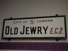 The Jewish Museum - Albert Street, Camden Town, London - old road sign - City of London - Old Jewry EC2 (ell brown) Tags: camden london greaterlondon england unitedkingdom greatbritain camdentown londonboroughofcamden jewishmuseumlondon thejewishmuseum raymondburtonhouse albertst albertstcamdentown 129131albertst 123139albertst sign roadsign cityoflondon oldjewry ec2