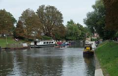 IMGP5936 (mattbuck4950) Tags: england unitedkingdom europe cambridgeshire water rivers boats september photosbymatt cambridge camerapentaxk50 lenssigma18250mm 2016 narrowboats rivercam stourbridgecommon gbr