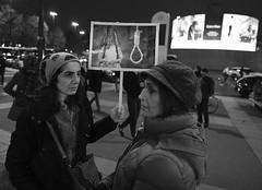_DSF8677 (sergedignazio) Tags: france paris street photography photographie fuji xpro2 internationale lutte violences femmes