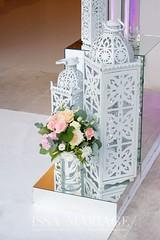 felinare din dubai (IssaEvents) Tags: nunta decor sala aranjamente decoratiuni idei felinare dubai albe flori covor alb nunti valcea