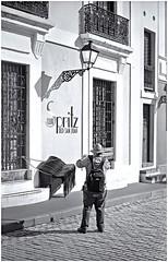 Fotgrafo Callejero (Street Photographer) (Samy Collazo) Tags: argus argusc3 arguscoatedcintar50mmf35 fotografo photographer fotografocallejero streetphotographer sanjuan oldsanjuan viejosanjuan puertorico lightroom niksilverefexpro2 aviary bn bw