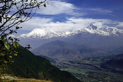 Himalaya Valley View (Hubert Streng) Tags: nepal pokhara annapurna view morning serene sarangkot moon valley himalaya