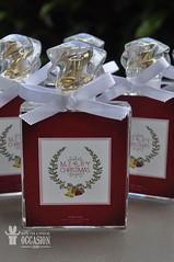 HOME SPRAY MODELO CHANEL - CORPORATIVO (Gifts for a Special Occasion) Tags: homespray lembrancinha lembrancinhapersonalizada giftsforaspecialoccasion aroma perfume perfumedeambiente corporativo natal xmascollection presentedenatal lembrancinhadenatal