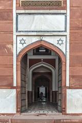 DSC5568 Mausoleo de Humayun (puerta de entrada), año 1565-72, Delhi (Ramón Muñoz - ARTE) Tags: delhi india mausoleo tumba de humayun