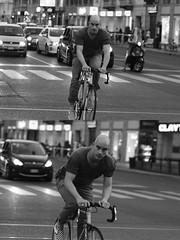 [La Mia Città][Pedala] (Urca) Tags: milano italia 2016 bicicletta pedalare ciclista ritrattostradale portrait dittico bike bicycle nikondigitale biancoenero blackandwhite bn bw 907152