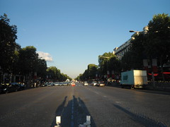 14 de julio, Los Campos Elíseos, París, Francia/ The 14th of July, Les Champs-Élysées, Paris 2014, France – www.meEncantaViajar.com (javierdoren) Tags: light shadow summer vacation holiday paris france color colour luz fun cool frankreich holidays europa europe estate sommer frança sunny sombra flags cobblestones shade verano verão frankrijk été párizs francia banderas parijs fiestanacional parís sommar 14juillet lafrance parigi adoquines champsélysées soleado paryż franzen 14july fêtenationale july14th frenchflags pariz vacación camposelíseos lafêtenationale 14dejulio estío thechampselysées frenchnationalday leschampsélysées lequatorzejuillet loscamposelíseos banderasfrancesas thefourteenthofjuly paris2014 catorcedejulio elcatorcedejulio paris'14