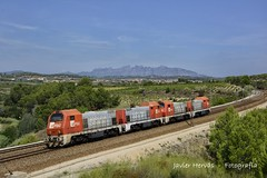 FGC 353 en Lavern - Subirats. (Javier Hervs) Tags: train tren gm zug locomotive 310 trainset 353 fgc renfe tmd 3101 adif 35304 35303 35302 35301 comsa cargometro