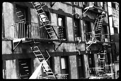 Escales exteriors a Nova York (_nur) Tags: nyc newyork stairs thecity eua escaleras nuevayork escales eeuu novayork