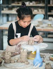 20151004-Crafts Village Nada-7076.jpg (Ding Zhou) Tags: china cat baker beijing yarn pottery craftsman weaving loom breadmaking potterymaking craftsvillage shunyiqu