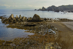 Gueirúa y Silencio (guillenperez) Tags: sea españa west beach water rock mar spain agua asturias playa roca silencio occidental asturies cantabrico cantabric gavieru gueirua