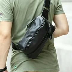 กระเป๋าหนัง สะพายไหล่ แฟชั่นเกาหลี ราคา 680 บาท  สินค้าพรีออเดอร์ รหัส BAG004 ไม่มีวันปิดรอบ สั่งซื้อได้ทุกวัน รอสินค้า 15-20 วัน ดู Size ได้ที่ http://www.kjfashionstyle.com/product/2991/  ค่าจัดส่งสินค้า ลงทะเบียน ตัวแรก 30 ตัวถัดไปเพิ่ม 10 บาท แบบ EMS