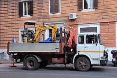 Fiat 110 NC | Rome, Italy (lorryenthusiast) Tags: italien italy rome roma truck nc italia tipper fiat crane 110 lorry camion kipper kran rom digger iveco lastwagen lkw bagger laster 110nc