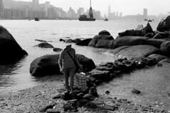 Back from the coast (Job Homeless) Tags: hongkong leiyuemun snap streetsnap streetphotography blackandwhite monochorme