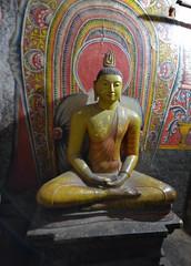 DSC_8808 (H Sinica) Tags: srilanka  ceylon vishnu   caveofthedivineking  dambulla  rangiridambullarajamahaviharaya rangiridambuluviharaya goldenrocktemple dambullacavetemple unesco