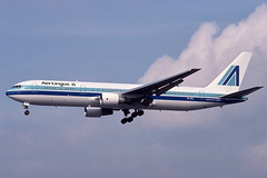 EI-CAL LHR 24-9-1993 (Plane Buddy) Tags: eical boeing 767 767300 aerlingus airaruba heathrow lhr egll