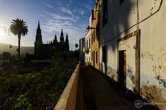 Sombras góticas (davidcabrerafotografia) Tags: gracanaria arucas atardecer sunset iglesiadearucas iglesia church gotico silueta silhouttes islascanarias