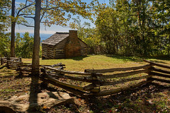 Settler's cabin (Tim Ravenscroft) Tags: cabin fencing settler woodland blueridgemountains northcarolina usa wow