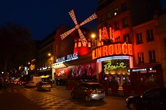 Le Moulin Rouge (Philippe Haumesser Photographies) Tags: outside ville city nuit night nocturne lumires lights moulinrouge paris france nikond7000 nikon d7000 reflex 2016