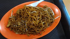 Hongkong noodles at Tian Yuan Delights, Little India, Singapore (Loeffle) Tags: 102016 singapur singapore singapura littleindia tianyuandelights hongkongnoodles meehongkong