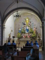 Prayer group in chapel, Templo de Nuestra Seora de La Salud, San Miguel de Allende, Mexico (Paul McClure DC) Tags: sanmigueldeallende mexico bajo guanajuato nov2016 church people historic