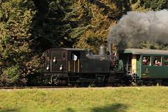 Dampflokomotive Ed 3/4 2 der Solothurn - Mnster - Bahn SMB ( Baujahr 1907 - Hersteller SLM Nr. 1799 ) unterwegs bei Huttwil im Oberaargau im Kanton Bern der Schweiz (chrchr_75) Tags: chriguhurnibluemail ch christoph hurni chrchr chrchr75 chrigu chriguhurni oktober 2015 albumzzz201510oktober albumbahnenderschweiz2015712 eisenbahn bahn schweizer bahnen dampflokomotive dampfmaschine dampflok locomotora vapor  vapeur steam vapore  stoomlocomotief albumdampflokomotiveninderschweiz chriguhurnibluemailch albumbahnenderschweiz zug train juna zoug trainen tog tren  lokomotive lok lokomotiv locomotief locomotiva locomotive railway rautatie chemin de fer ferrovia  spoorweg  centralstation ferroviaria