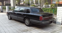 Lincoln Town Car II 02 China 2015-04-10 (NavDam84) Tags: sedan lincoln towncar lincolntowncar vehiclesinchina carsinchina vehiclesinwuhan carsinwuhan
