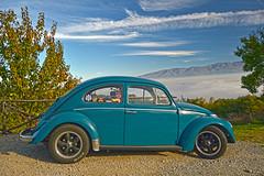 una coccinella nel panorama (Ale & Franz on the road) Tags: panorama nuvole nebbia autunno valdarno maggiolino