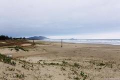 Praia de Itapirub (Norte), SC (Celso Kuwajima) Tags: brazil art beach 35mm canon landscape eos sand br kodak outdoor mark f14 iii sigma shore 5d santacatarina kodake100vs e100vs dg imbituba hsm vsco 5dmarkiii sigma35mmf14dghsmart