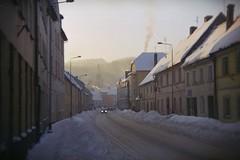 holga_135_bc_fuji_superia_200_16.10.10_6.01.11_02 (iiyyyii) Tags: street winter snow film analog 35mm town lomography outdoor 35mmfilm vintagecamera analogue filmcamera fujisuperia200 holga135bc
