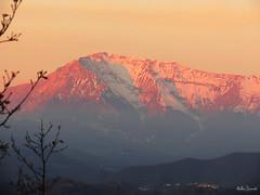 Il Vettore si tinge di rosa :-) (ambrasimonetti) Tags: pink italy 30 sunrise december alba rosa monte monti ascoli 2015 piceno tti sibillini vettore