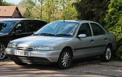 L735 SFL (Nivek.Old.Gold) Tags: auto ford 20 1994 mondeo 5door glx 16v