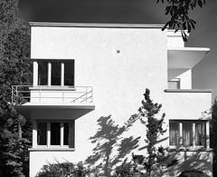 Bauhaus lebt! (frankintosh) Tags: bauhaus m9 summicron frankintosh lichtundschatten schwarzweiss