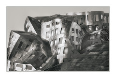 Frank Gehry Building, Lou Ruvo Center for Brain Health, Las Vegas, NV, #04 (Vincent Galassi) Tags: lasvegas nevada usa frankgehrybuilding louruvocenterforbrainhealth nv 04pentax645d a300mm 1500s f16 iso400 fine art city cityscapes building black white