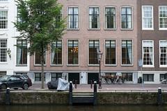 552-550 (photosam) Tags: fujifilm xe1 fujifilmx prime raw lightroom xf35mm114r xf35mmf14r amsterdam noordholland netherlands canal architecture housing brickwork masonry facade