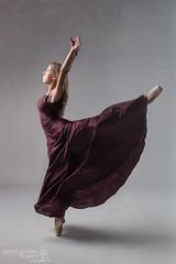 Yara (Pelayo Gonzlez Fotografa) Tags: bailarina mujer woman female retrato portrait dance ballet danza ballerina dancer shoes pointe studio estudio